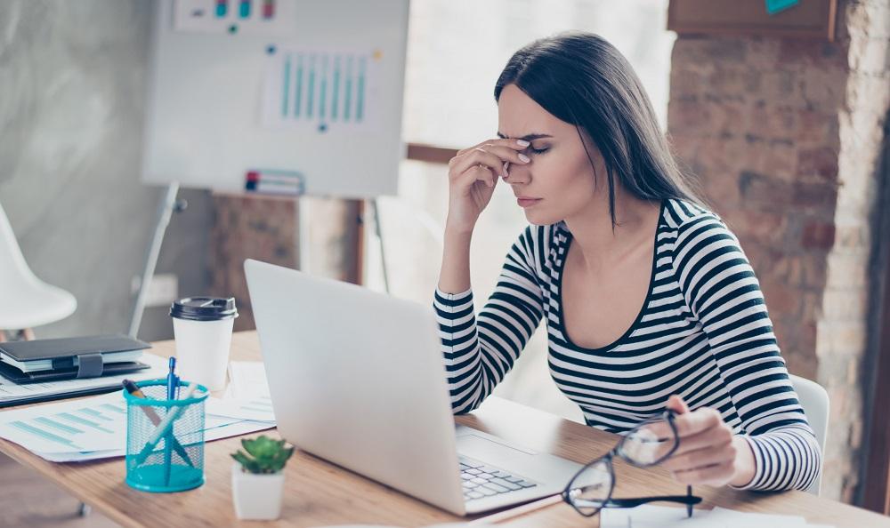 sisältömarkkinointi sisältöstrategia väsymys laptop kirjoittaja